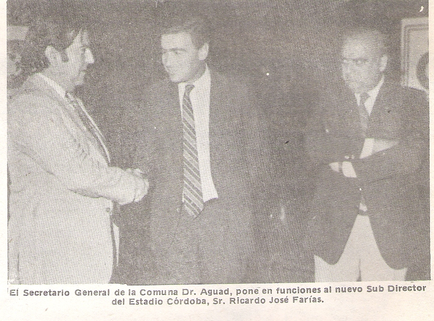 FOTOGRAFIA DE TRIBUNA MUNICIPAL Nº XXIII - AÑO II de febrero/marzo 1986 - la comuna al servicio del pueblo